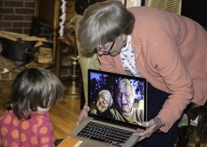 grandparents-1131890_1920
